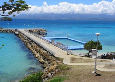 Piscine eau de mer à Montauban Le Gosier (Grande-Terre) Guadeloupe. Activités de baignades!