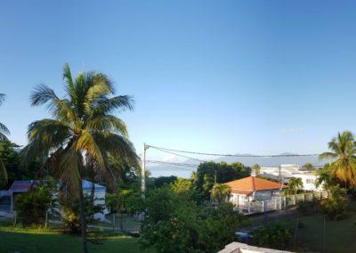 Location studios Ixora à gauche & appartement Oiseau de paradis avec le toit orange à Montauban Le Gosier