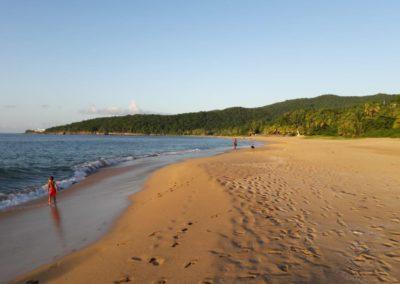 Activités baignade, plage la Perle à Deshaies, Guadeloupe